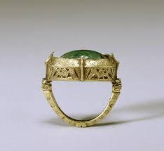 Magic Ring that can Make Your Financial Status Stable .